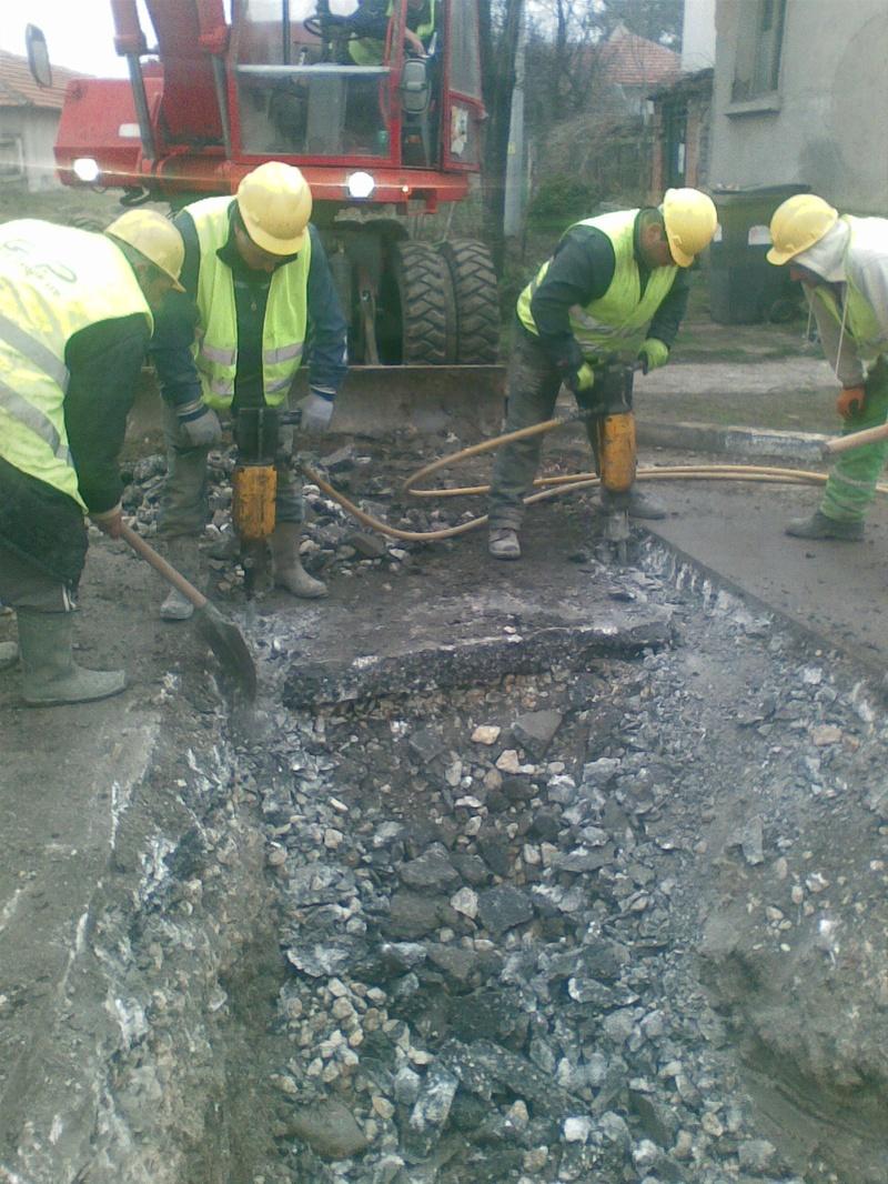 Завършване, реконструкция и рехабилитация на канализационната мрежа, кв. Дебър, Oбщина Първомай. 2013-2014